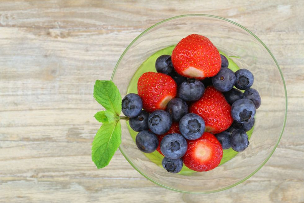 The 21-Day Weight Loss Breakthrough Diet Go-To Berries