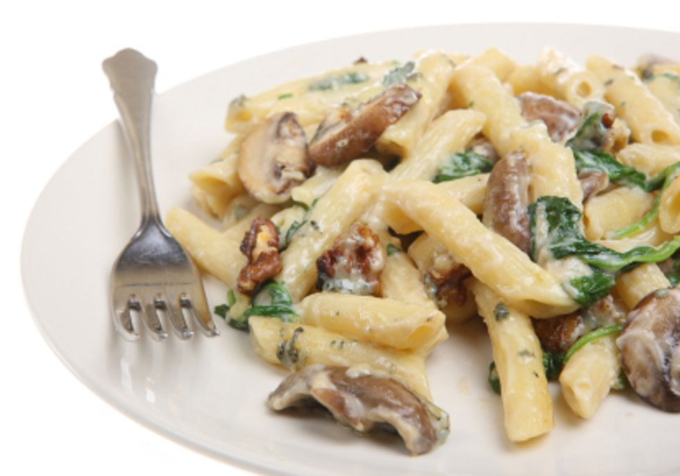 Penne Pasta with Blue Cheese and Walnuts
