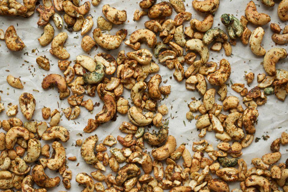 Clean Green Herbed Cashews