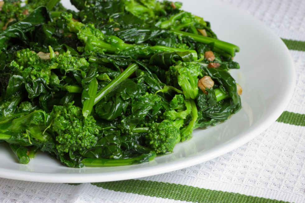 Robin's Broccoli Rabe With Chicken and Apricots