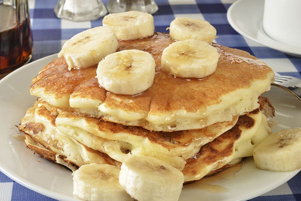 Skinny Banana Oatmeal Pancakes