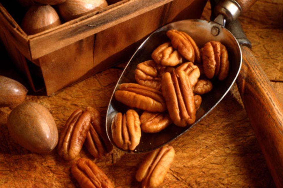 Cinnamon-Pecan Slow-Cooker Nuts