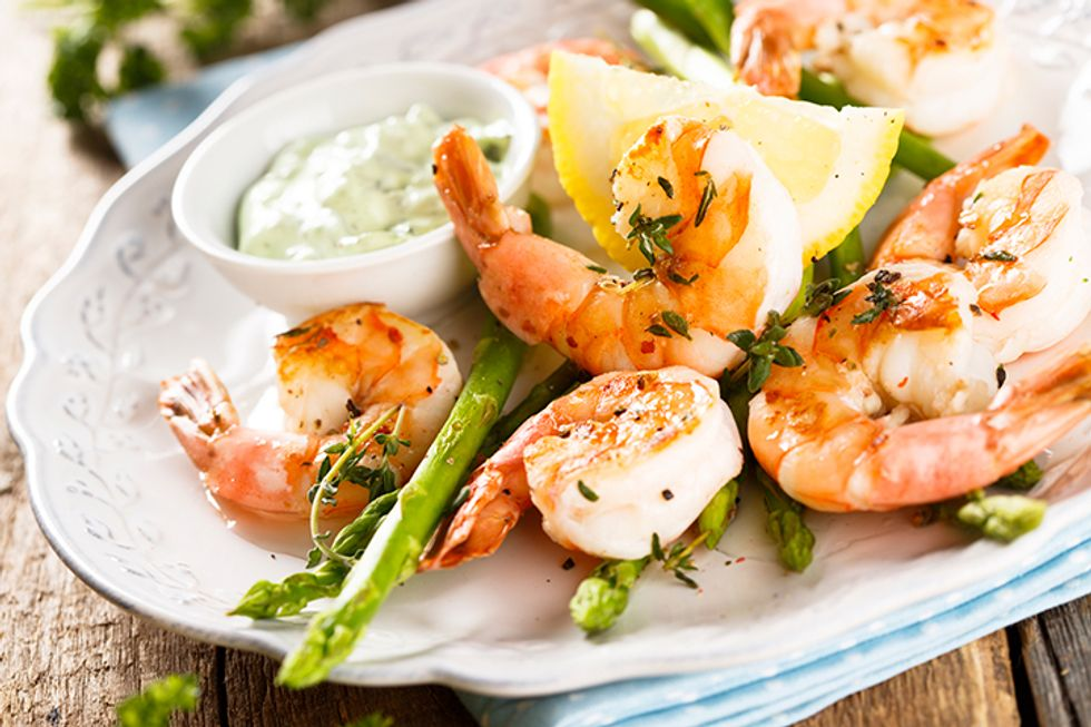 Chris Powell's Grilled Shrimp Pasta With Asparagus
