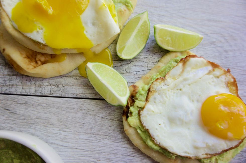 The 28-Day Shrink Your Stomach Challenge Avocado Egg Breakfast Pizza