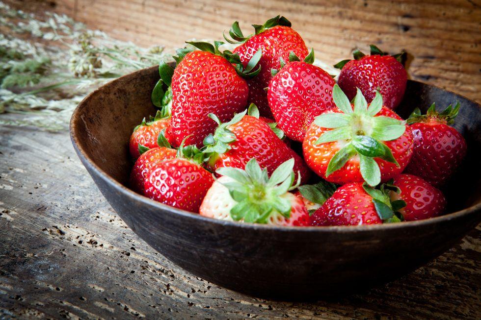 Rocco DiSpirito's Breakfast Bowl with Quinoa and Strawberries
