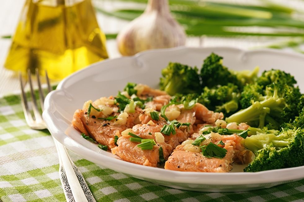 Joy Bauer's Baked Fish With Broccoli and Sweet Potato