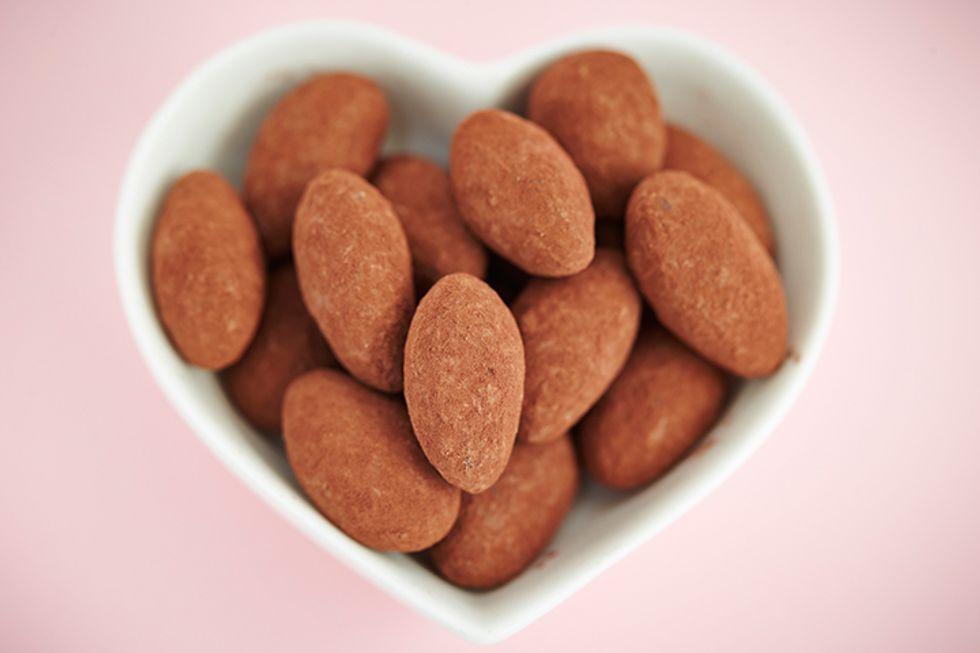 Rocco DiSpirito's Cocoa-Dusted Almonds