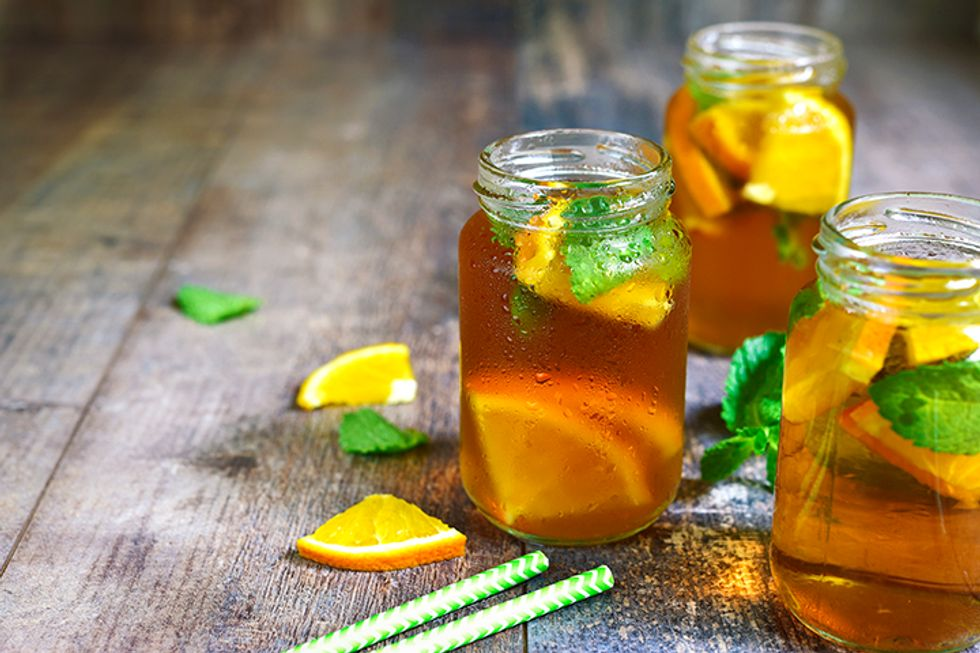 Iced White Tea with Oranges