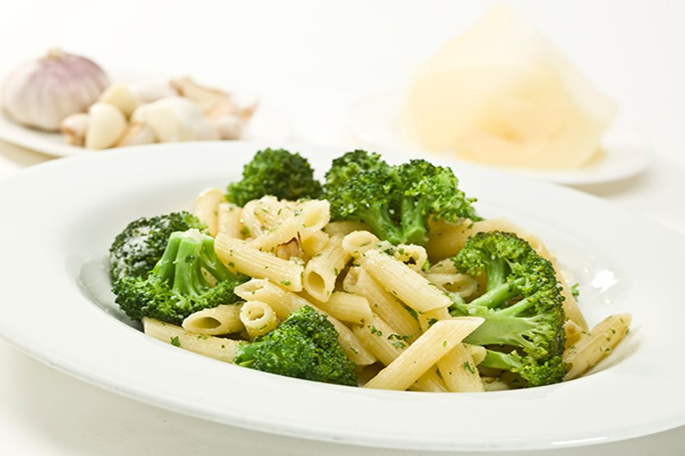 Whole Grain Penne With Broccoli and Walnuts