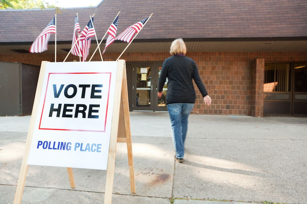 5 Easy Ways to Stay Safe While Voting in Person