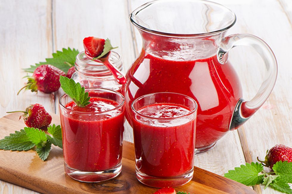 Basil Walnut Strawberry Shake