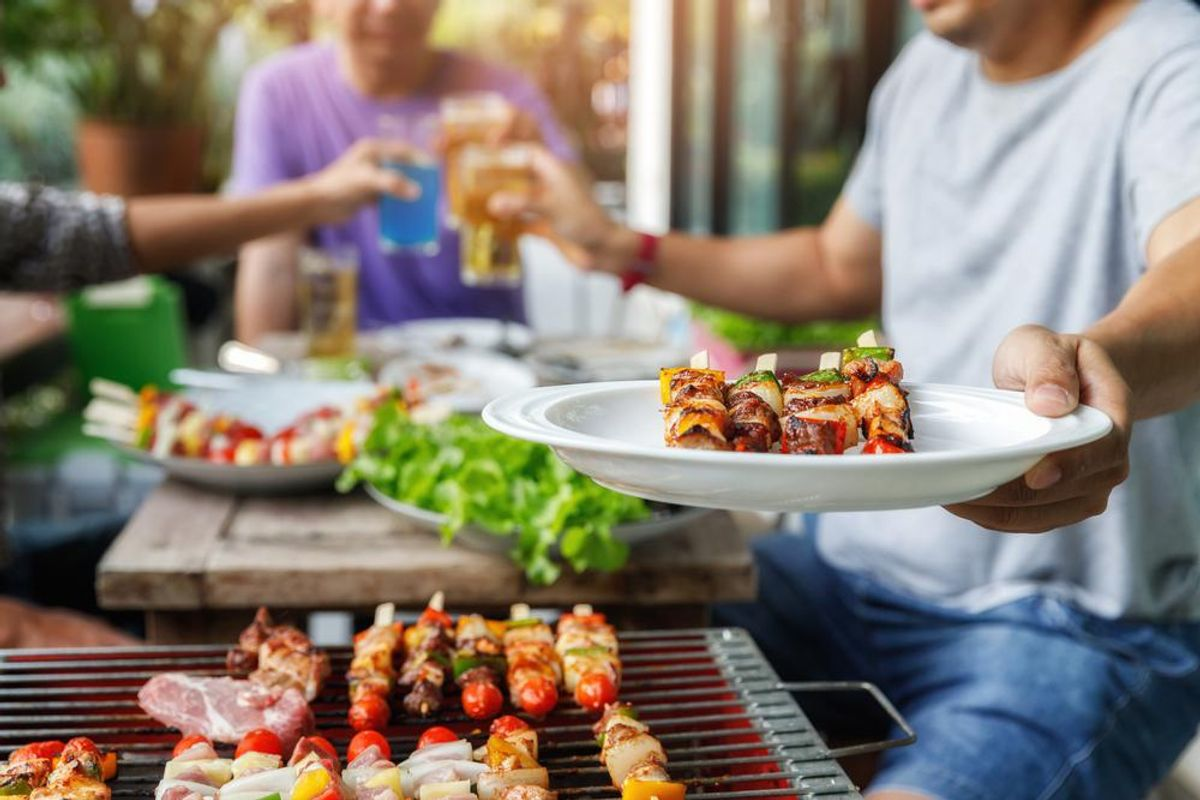 15 Guilt-Free & Delicious Dishes to Serve at Your Cookout