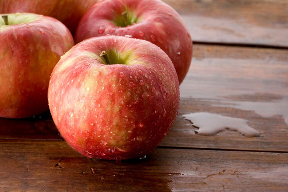 Poll: Would You Buy a Genetically Modified Apple If It Didn't Turn Brown?