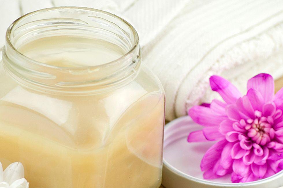 Milk and Honey Foot Bath