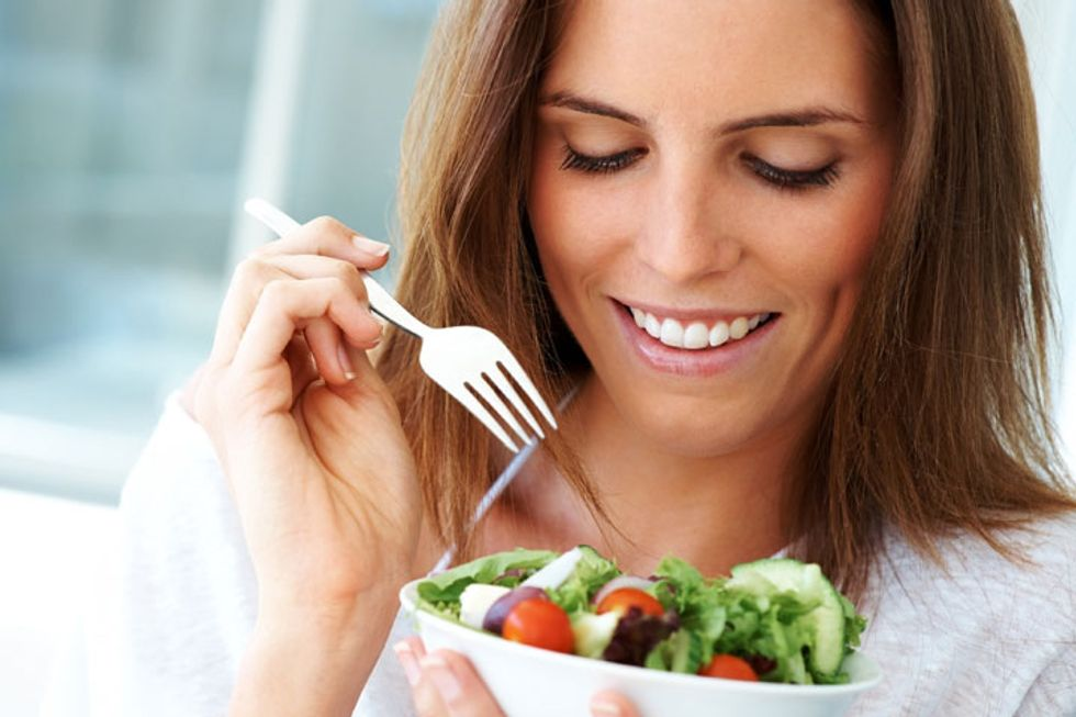 Ladies Who Lunch (Light) Weigh Less