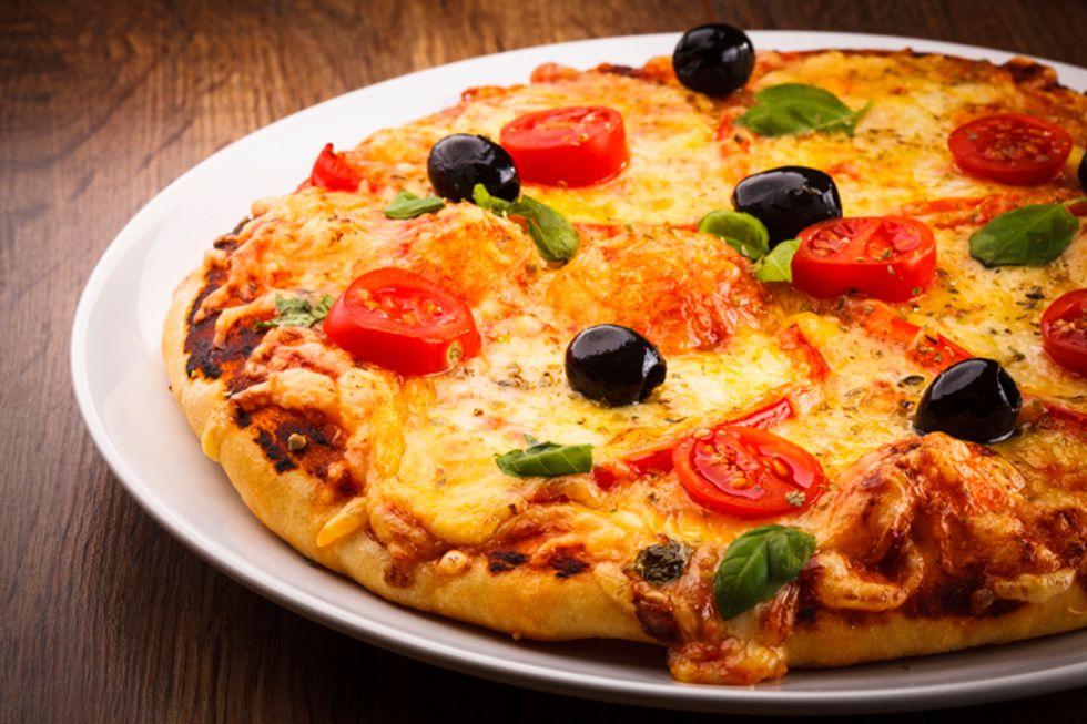 Dr. Davis' Provolone, Prosciutto, and Kalamata Olive Pizza