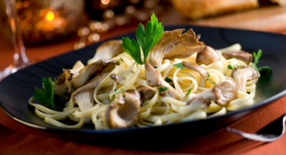 Linguine With Seared Oyster Mushrooms