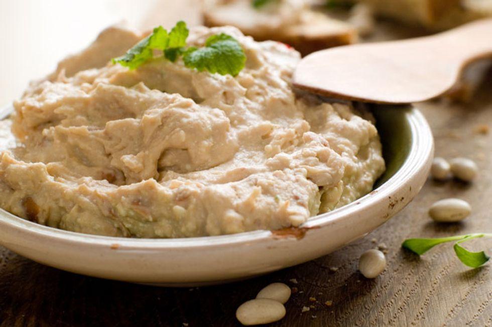The Monday Dieter White Bean Hummus and Veggies