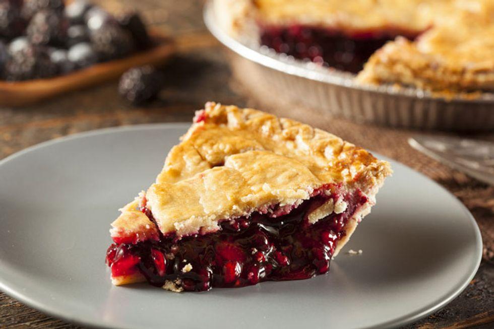 Paula Deen's Old-Fashioned Strawberry Pie