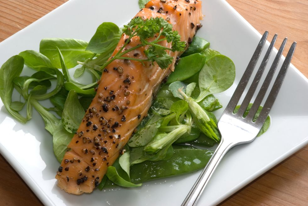 Salmon Salad with Spinach, Dill and Mustard Vinagrette