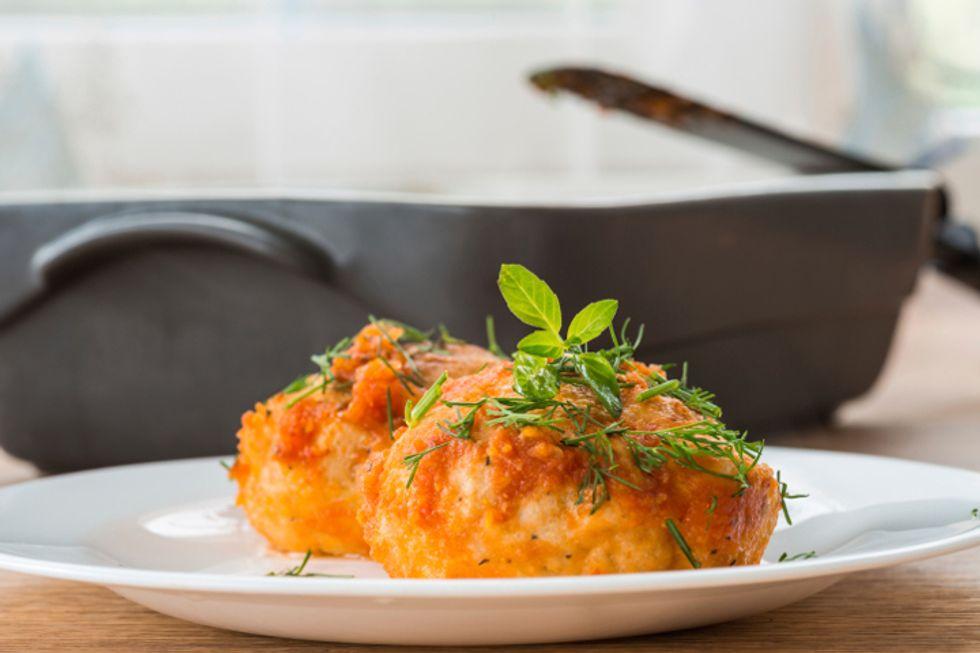 Buffalo-Garlic Turkey Burgers
