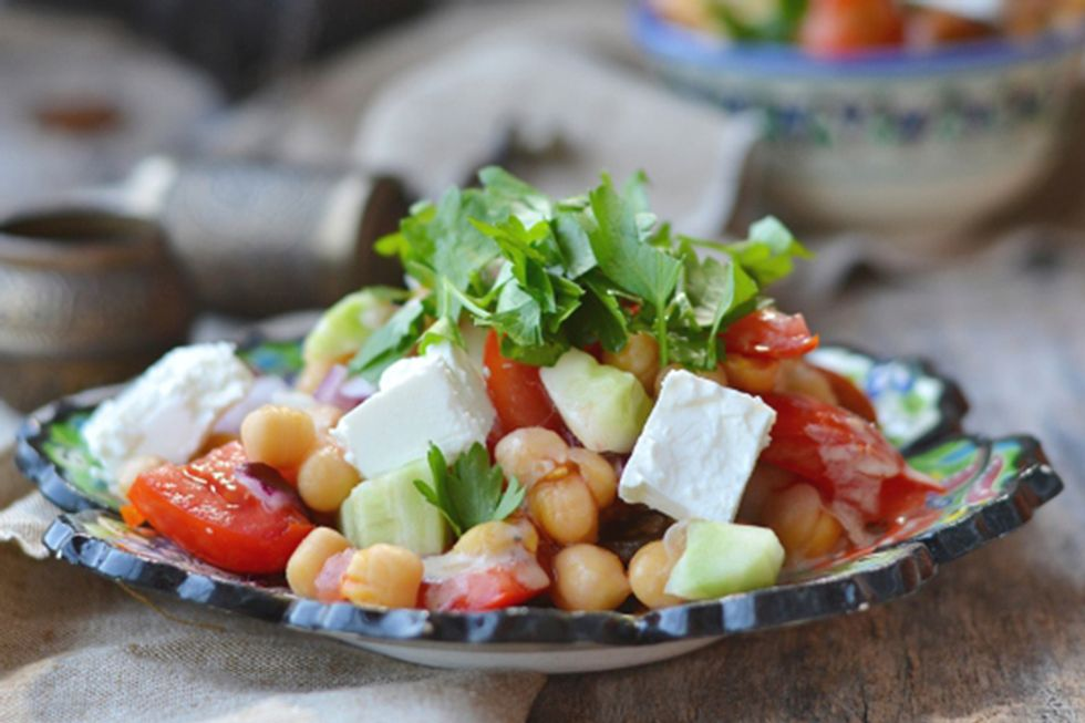 Simple Tomato Salad With Chickpeas and Feta cheese