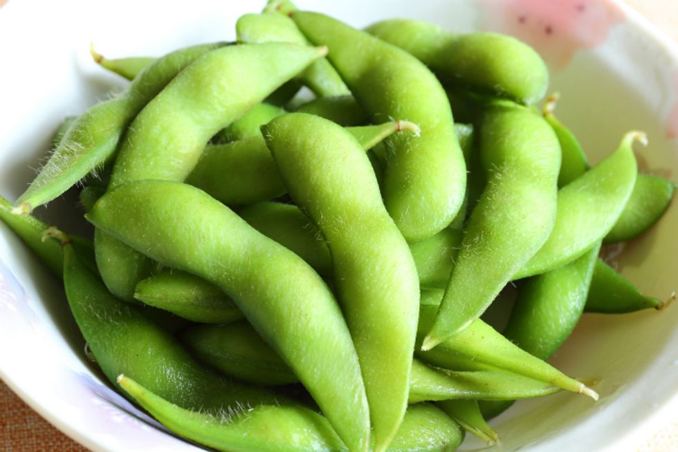 Boiled Edamame With Salt and Olive Oil