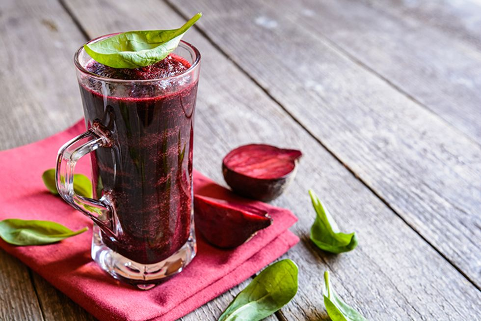 The Monday Dieter Spinach and Beet Liquid Breakfast