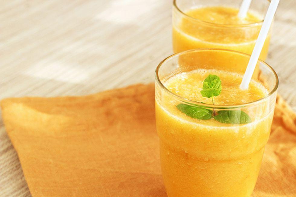 Pineapple and Papaya Smoothie Shot