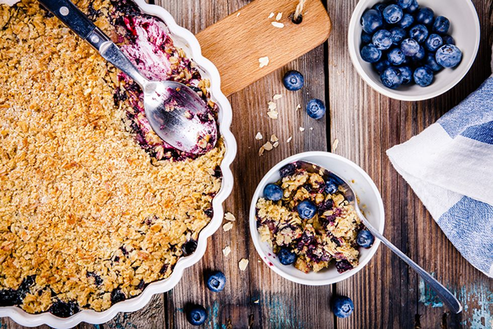 The 10-Day Tummy Tox Baked Blueberry Oatmeal