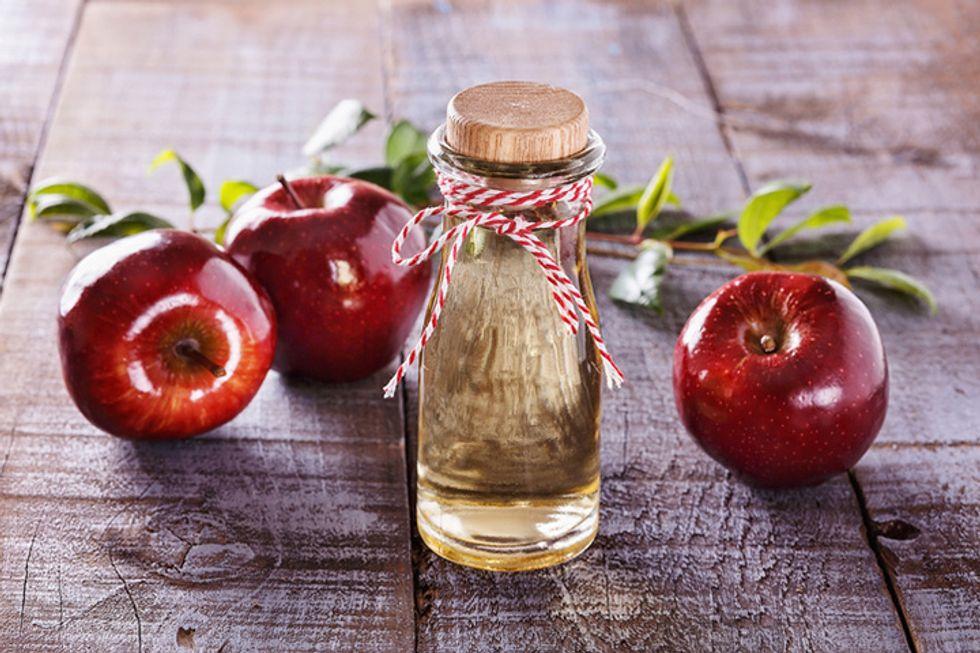 7 Surprising Ways to Use Apple Cider Vinegar