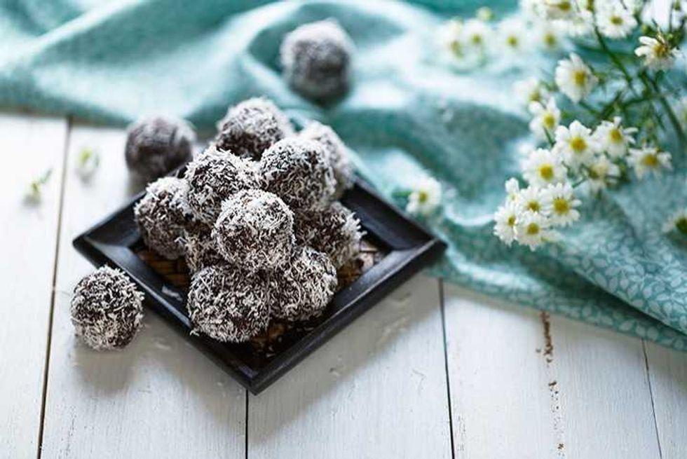 No-Bake Chocolate Chia Seed Energy Balls