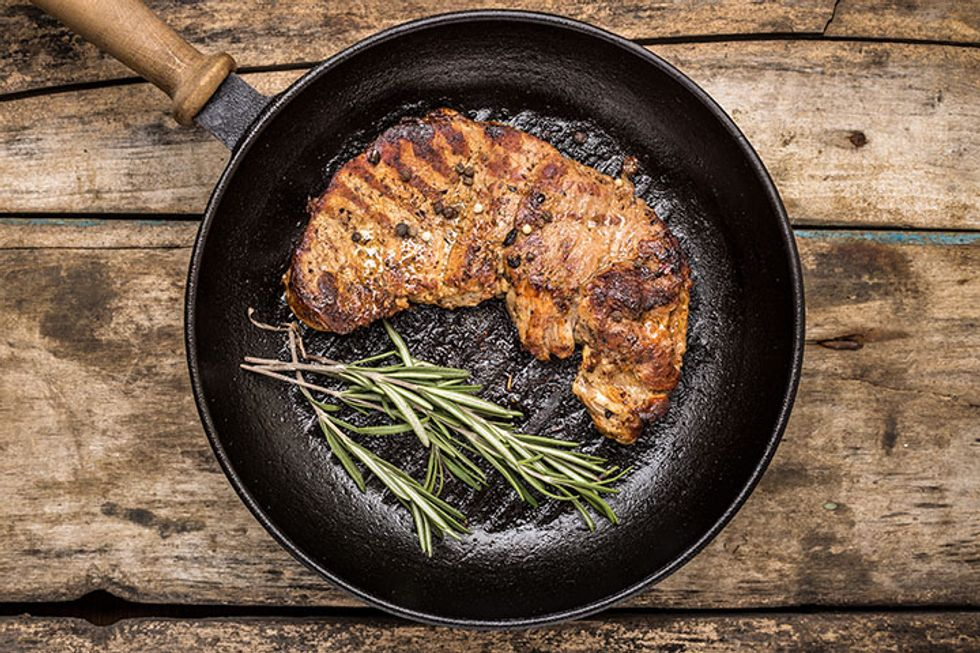 The Dos and Don'ts of Cleaning Cast Iron Pans