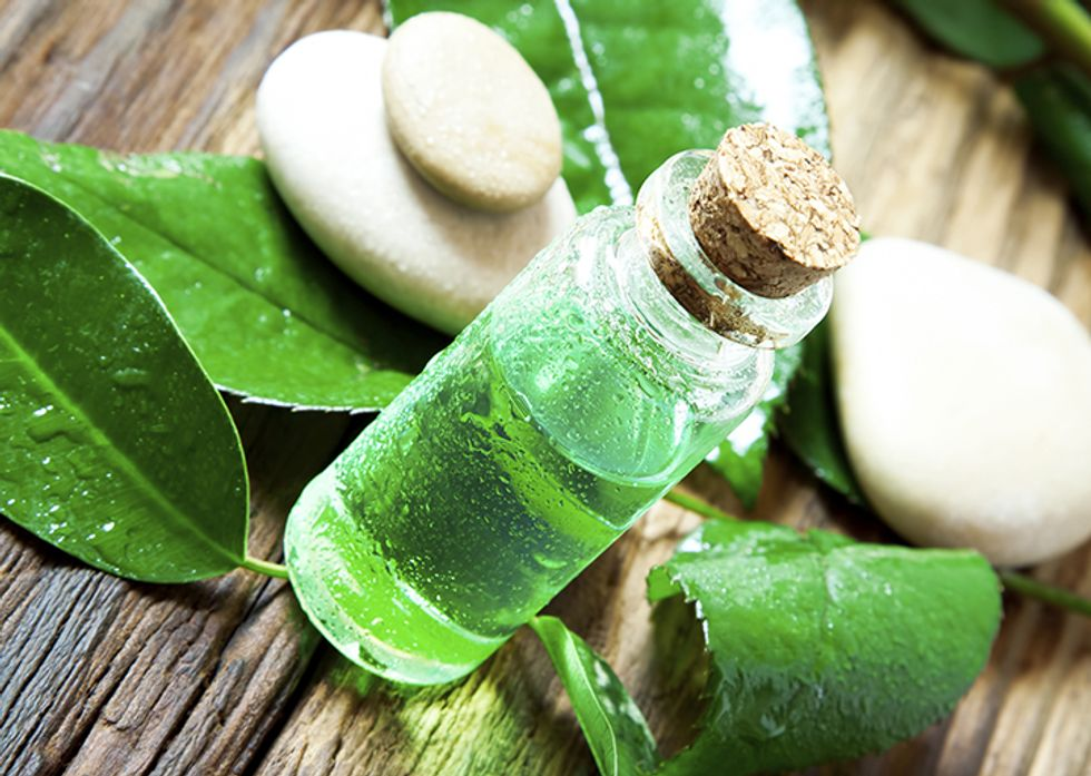 7 Ways Tea Tree Oil Can Improve Your Skin and Hair Problems