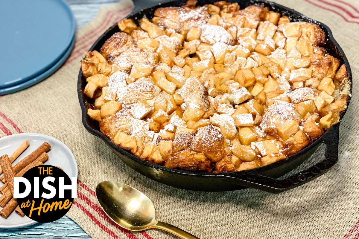 Easter Apple Pie Pull-Apart Bread