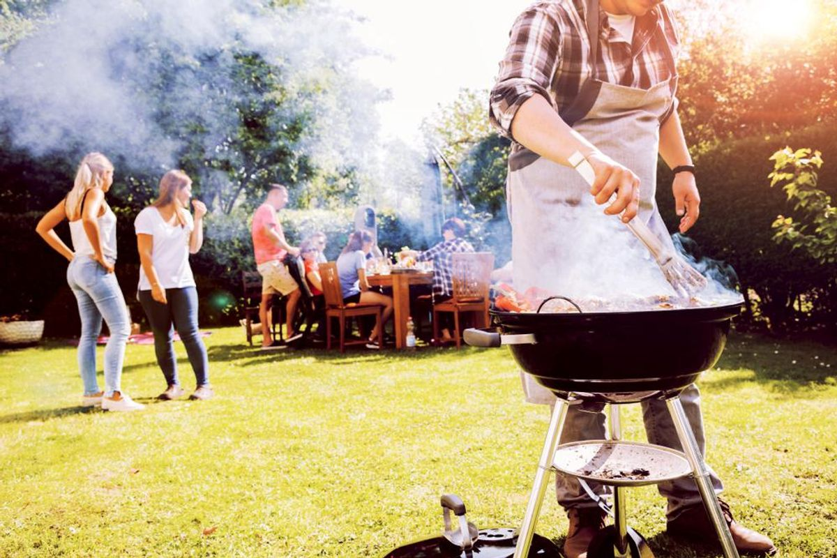 4 Outdoor Food Hacks for a Stress-Free Cookout